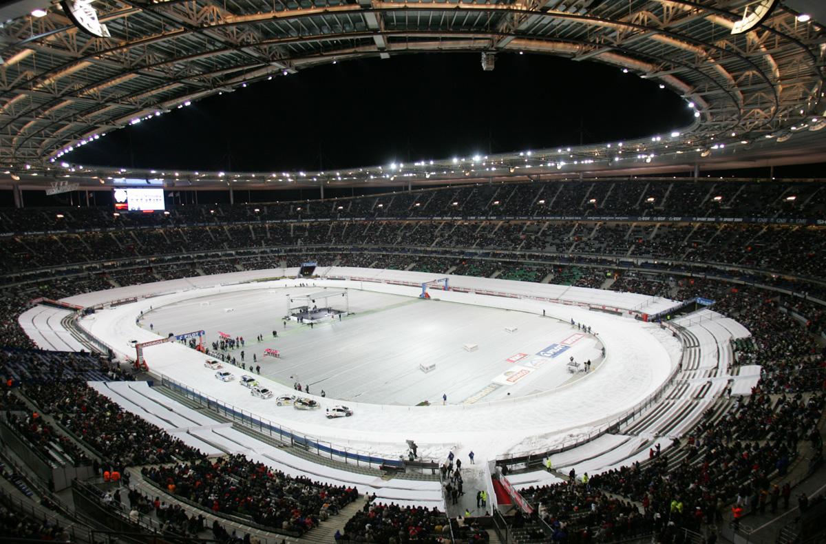 700 tonnes de glace dans le Stade de France